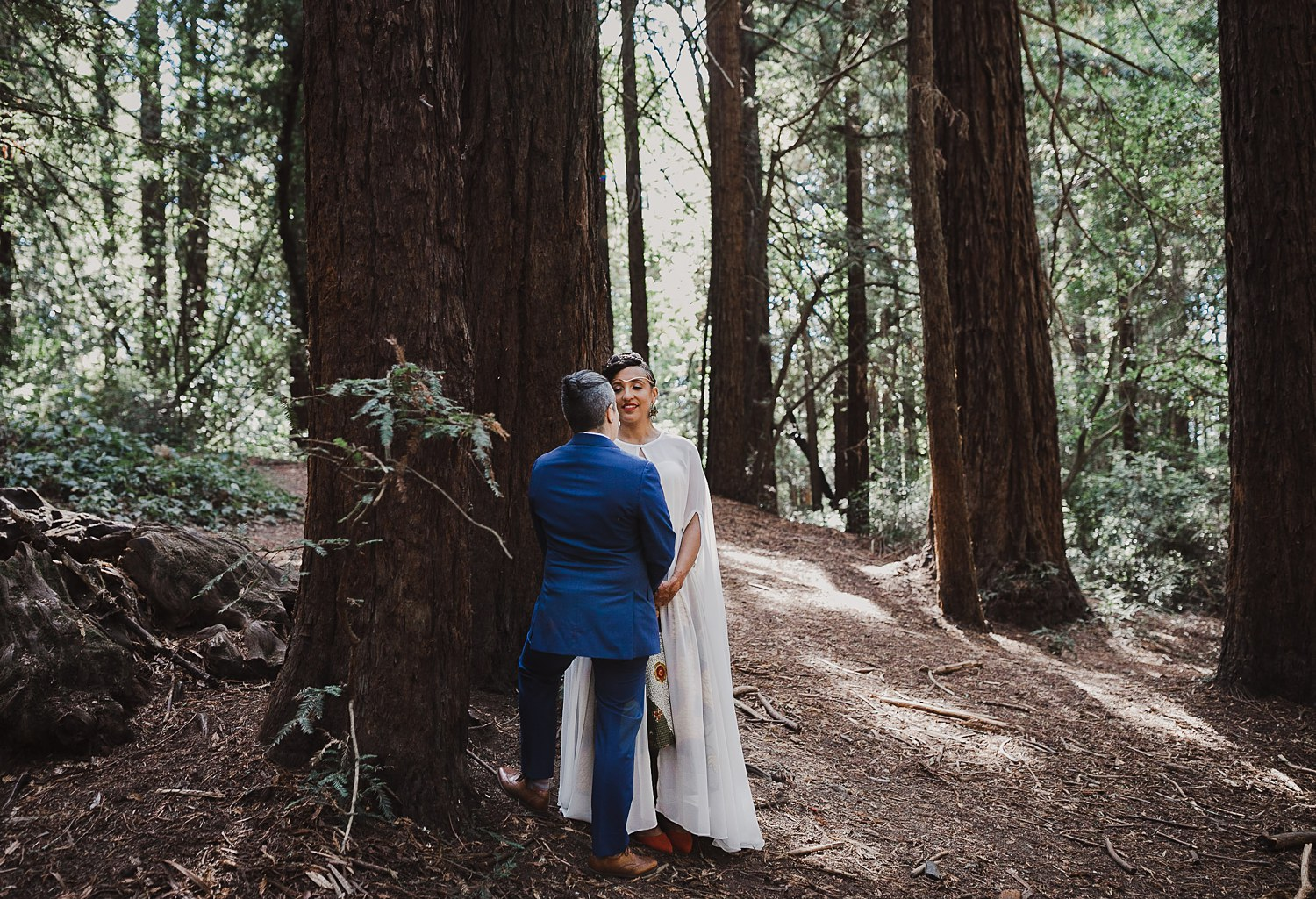 Intimate Oakland wedding photography story in Joaquin Miller Park.